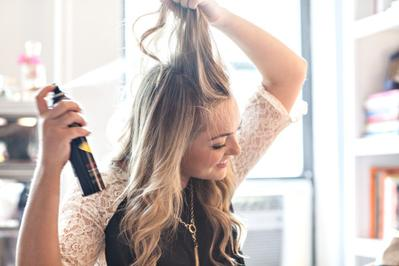 Hati-hati Ladies, Dry Shampoo Bisa Menimbulkan Efek Buruk Ini Untuk Rambutmu!