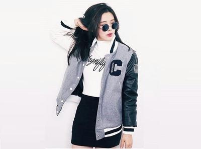 Biar Lebih Hits, Begini Cara Mix and Match Jacket Varsity Kekinian Buat Sehari-hari!