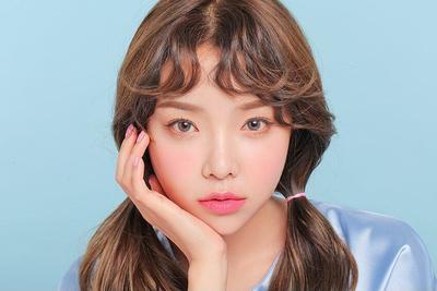 Mau Tampil Lebih Manis dan Merona ala Cewek Korea? Cobain Blush On Pink Lokal Berikut Ini Yuk Ladies!