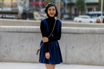 Ladies, Ini Dia Inspirasi Outfit ke Kampus untuk Kamu yang Ingin Tampil Feminin!