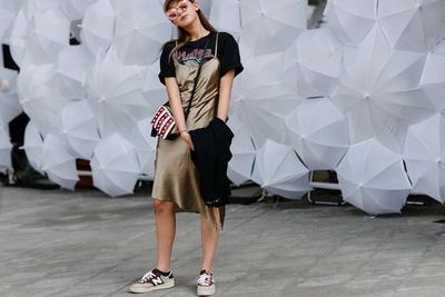 Yuk Tampil Makin Stylish dan Unik dengan Menggunakan Sport Shoes!
