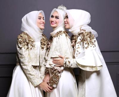 Ladies, Tampil Cantik dengan Deretan Bentuk Gaun Bridesmaid Hits Kekinian Berikut Yuk!