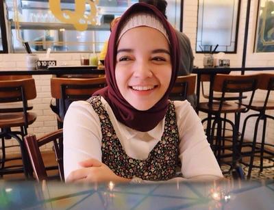 Inilah Warna-warna Hijab Wajib Punya yang Bikin Wajah Terlihat Lebih Putih dan Cerah