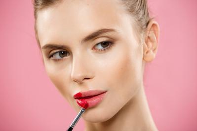 Sudah Mencoba The Famous Lipstick dari Lakme? Inilah Ulasannya Khusus untuk Kamu!