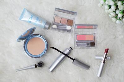 Ladies, Yuk Simak Tutorial Make Up Flawless dan Natural dengan Rangkaian Produk Wardah!