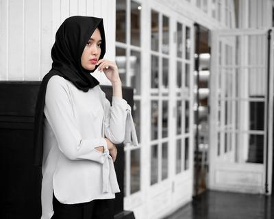 Jangan Takut Kantong Jebol, 4 Rekomendasi Online Shop Atasan Baju Ini Harganya di Bawah Rp 150.000!