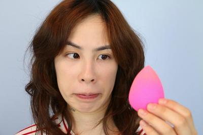 Kesal dengan Beauty Sponge yang Sering Jamuran? Begini Cara Merawatnya dengan Benar!