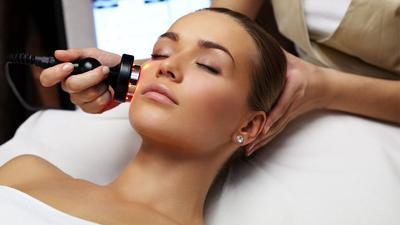 Wow! 5 Klinik Kecantikan di Jakarta Ini Tawarkan Terapi Laser Untuk Hilangkan Jerawat, Kamu Harus Coba!