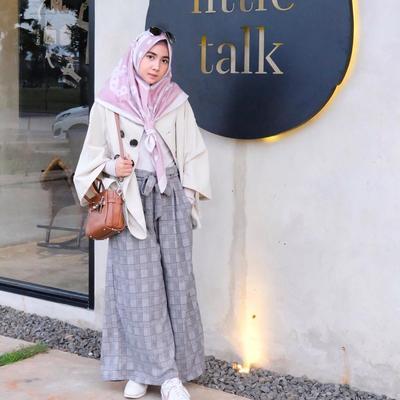 Simpel Dan Manis Padu Padan Hijab Dengan Kulot Motif Ini Wajib Kamu