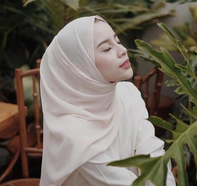 Anti Boring, Ganti Style Kampus Kamu dengan Gaya Hijab yang Lebih Modis Ini Yuk!