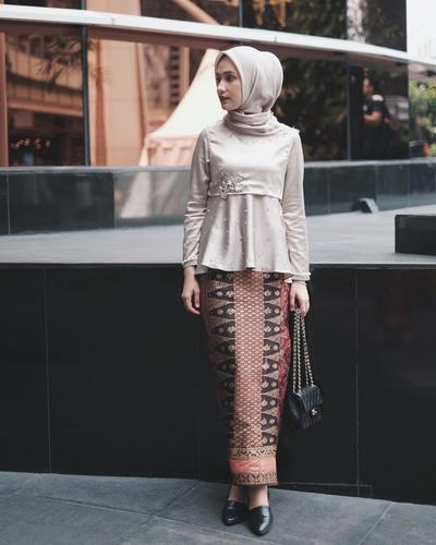 Cantik Dan Elegan Ini Dia Padu Padan Songket Untuk Style Kebaya