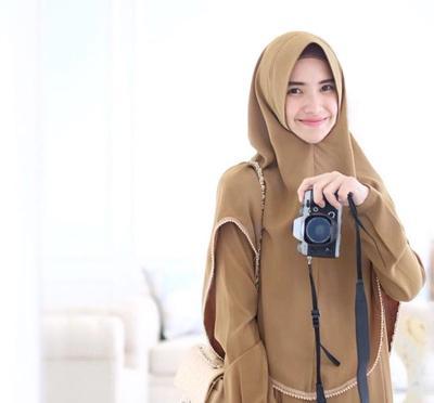 Beginilah Tutorial Memakai Hijab Syar'i yang Cocok untuk Remaja Tanpa Terkesan Tua
