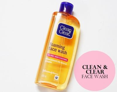 Dear.. Clean & Clear Foaming Face Wash Bagus Gak Sih?? Bikin kulit kering gak??
