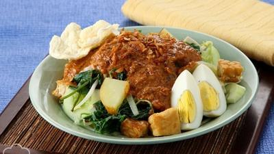 Jangan Ngaku Pencinta Kuliner Kalau Belum Coba Gado-Gado Terlezat di Jakarta Ini