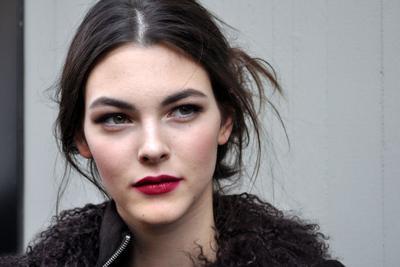 Agar Warna Base Makeup Tak Salah! Ini 5 Langkah Tentukan Undertone Kulitmui!