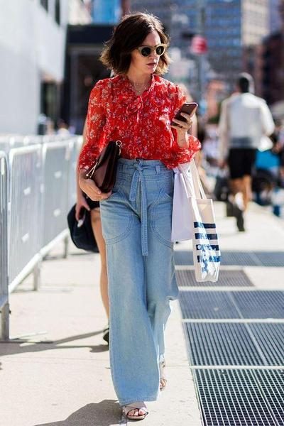 Khusus untuk Kamu! Ini Dia Tren Celana Jeans Tahun 2018!