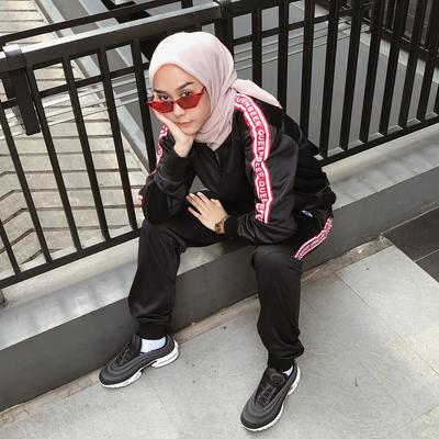 4 Pilihan Model Sepatu yang Cocok untuk Dikenakan Wanita Pemilik Gaya Boyish