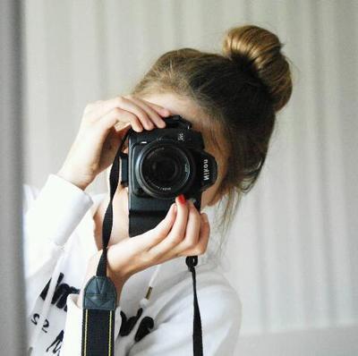 Kamera yang Tepat untuk Blogger Pemula Apa Ya?