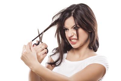 Sulit Menata Rambut? Ini 3 Hal yang Bisa Mempersingkat Waktu Menata Rambut Kamu di Pagi Hari