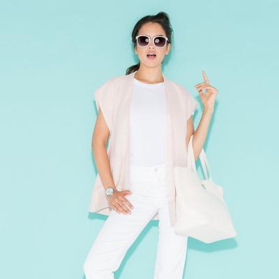Ladies, Hindari  4 Kesalahan Ini Ketika Menggunakan Baju Warna Putih