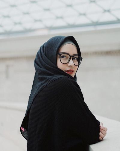 Hijab Untuk Jidat yang Lebar