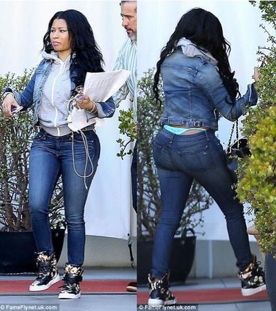 Skinny jeans berpotongan pinggul