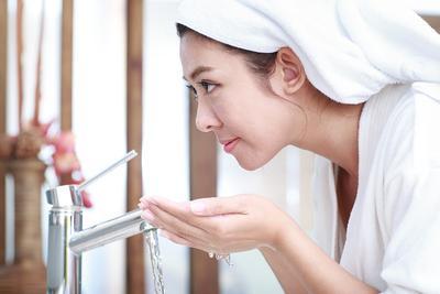 Ternyata Bisa Lho Mencuci Muka Tanpa Sabun Asalkan Menggunakan Cara Seperti Ini!