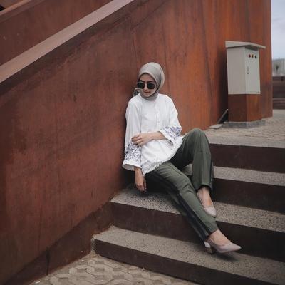 Celana yang Sering Dipakai Para Selebgram Hijabers Ini Lagi Banyak Difavoritkan Lho
