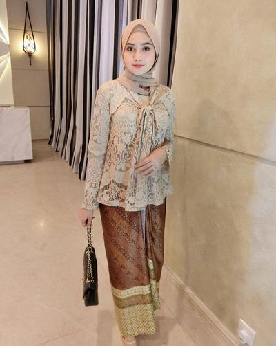 Wah Ini Dia Model Model Kebaya Muslim Yang Lagi Tren Dipakai