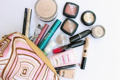 #FORUM Sharing Yuk! Apa Nih Produk Makeup Andalan yang Selalu ada Di Makeup Pouch Kamu?