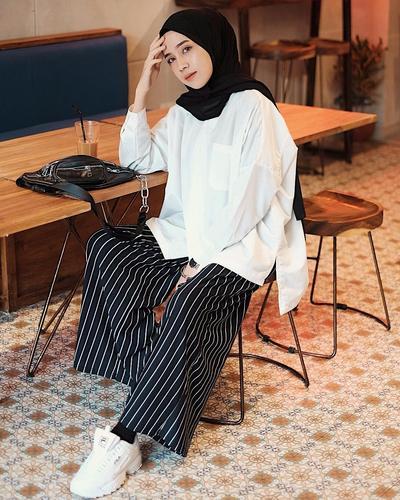 Deretan Macam-macam Model Celana Kulot yang Lagi Hits dan Kekinian Dipakai Para Hijabers
