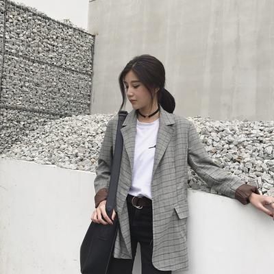 Outfit Kekinian yang Bisa Kamu Coba Agar Penampilanmu Tampak Lebih Muda