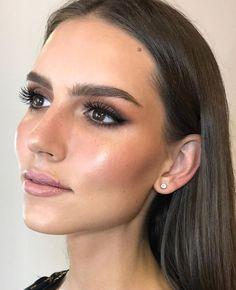 Beberapa Tips Mengenakan Make Up untuk Pemilik Kulit Sawo Matang agar Terlihat Natural