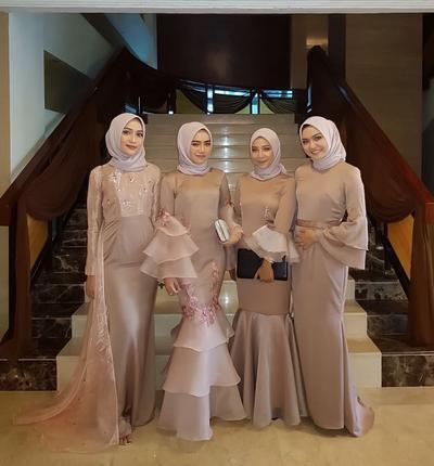 Wah! Ini Dia Model-Model Kebaya Muslim yang Lagi Tren Dipakai Hijabers Masa Kini