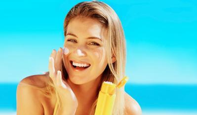 #FORUM Lagi Bingung, Baiknya Pake Pelembap Dulu apa Pakai Sunscreen Dulu Sih Sebelum Makeup??