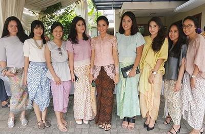 #FORUM Ada yang Tau Tren Baju Pesta Pernikahan 2018?