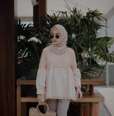 Ini Pilihan Style Hijab yang Tepat untuk Wanita dengan Tubuh Kurus dan Pendek Agar Proporsional