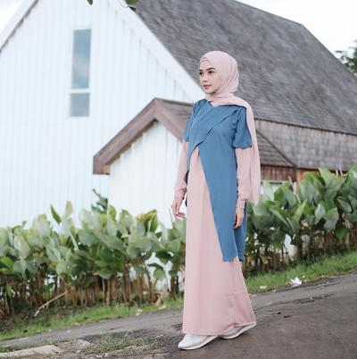 Pink Pastel Hijab with Pastel Dress for Casual Look ala Hamidah