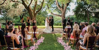 Tak Harus di Gedung, Ini 6 Alternatif Tempat Mengadakan Resepsi Pernikahan!