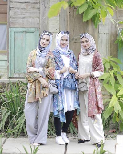 Lebih Kekinian, Padu Padan Fashion Hijab Kasual dengan Batik Ini Bisa Jadi Inspirasi Para Hijabers