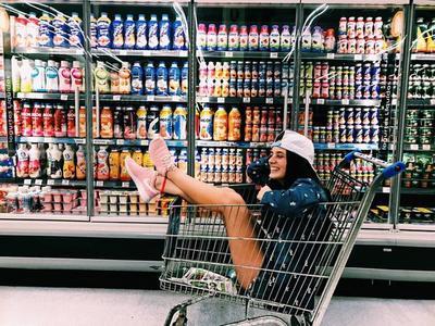 Trend Selfie di Supermarket Seperti Ini Lagi Hits dan Seru Banget, Sudah Coba Belum?