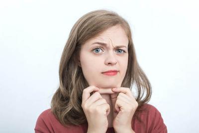 Suka Bikin Enggak Pede, Ternyata Ini Lho yang Jadi Penyebab Munculnya Double Chin