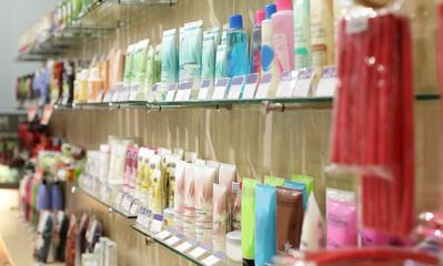 #NEWS Buat Kamu yang Punya Tipe Kulit Berminyak, Ini Pilihan Skincare Lokal yang Cocok Buat Kamu!