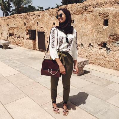 Ini Dia Beberapa Inspirasi Tampilan untuk Liburan dari Para Fashion Hijabers