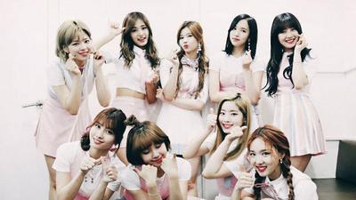 """#FORUM Siapa Member Tercantik dalam MV Terbaru TWICE """"What is Love""""?"""