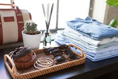 Malas Menyetrika Baju? Simak Cara Unik Menghilangkan Kerutan Baju Berikut Ini Yuk