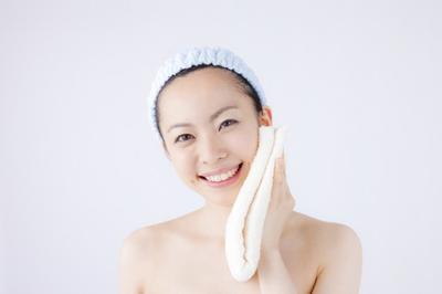 Ladies, Ternyata Mencuci Muka dengan Air Beras Punya Banyak Manfaat Kecantikan Seperti Ini!
