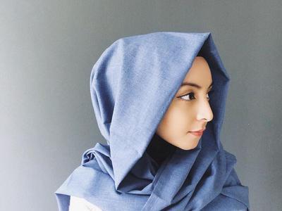 Tak Perlu Takut Tertusuk, Tutorial Hijab Tanpa Jarum Pentul Ini Wajib Kamu Coba!