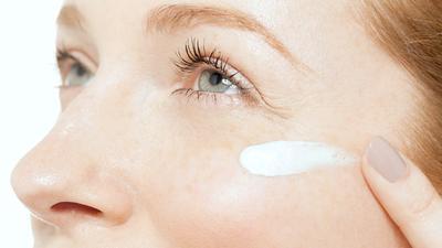 Review Singkat Seputar Eye Cream 24K Bio-Gold Dual Eye Essence! Kelebihannya Bikin Ingin Punya!