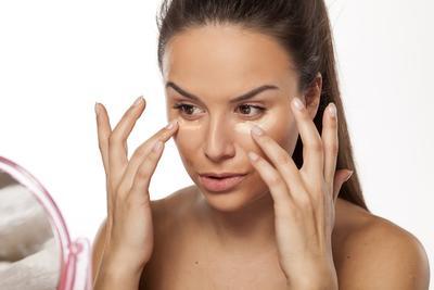 Tips Makeup Complexion Tanpa Foundation dengan Hasil Mulus untuk Kondangan!